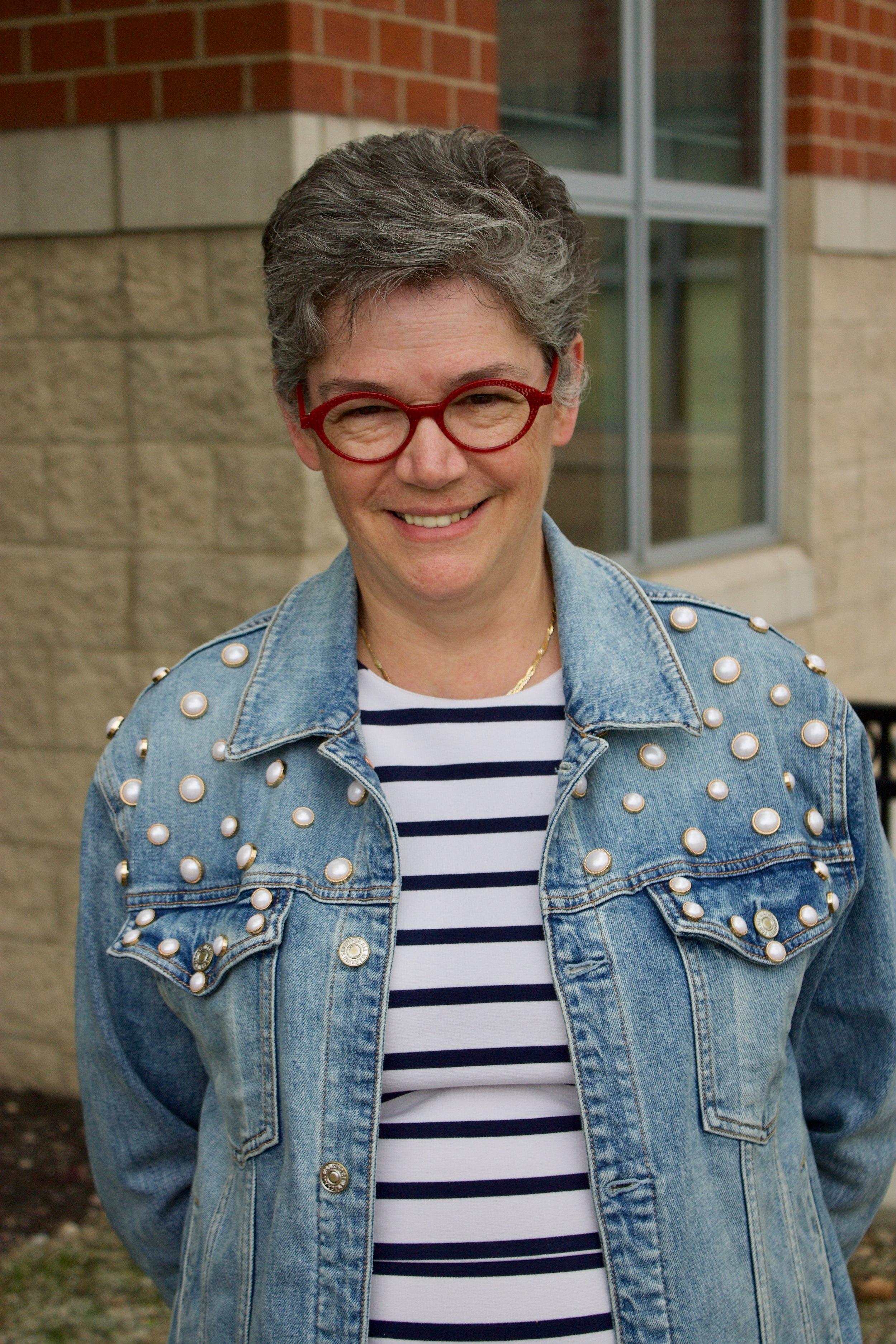 Kim Counihan   - Middle School Humanities Teacher (Room 2012)