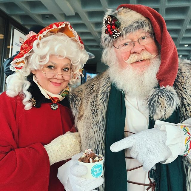 ❄️ This Holiday Season just got a whole lot better! Our truck will be parked beneath the Westlake Center Christmas Tree🎄 every day from 1-7pm until Christmas Eve! Santa says get your dough! ❄️