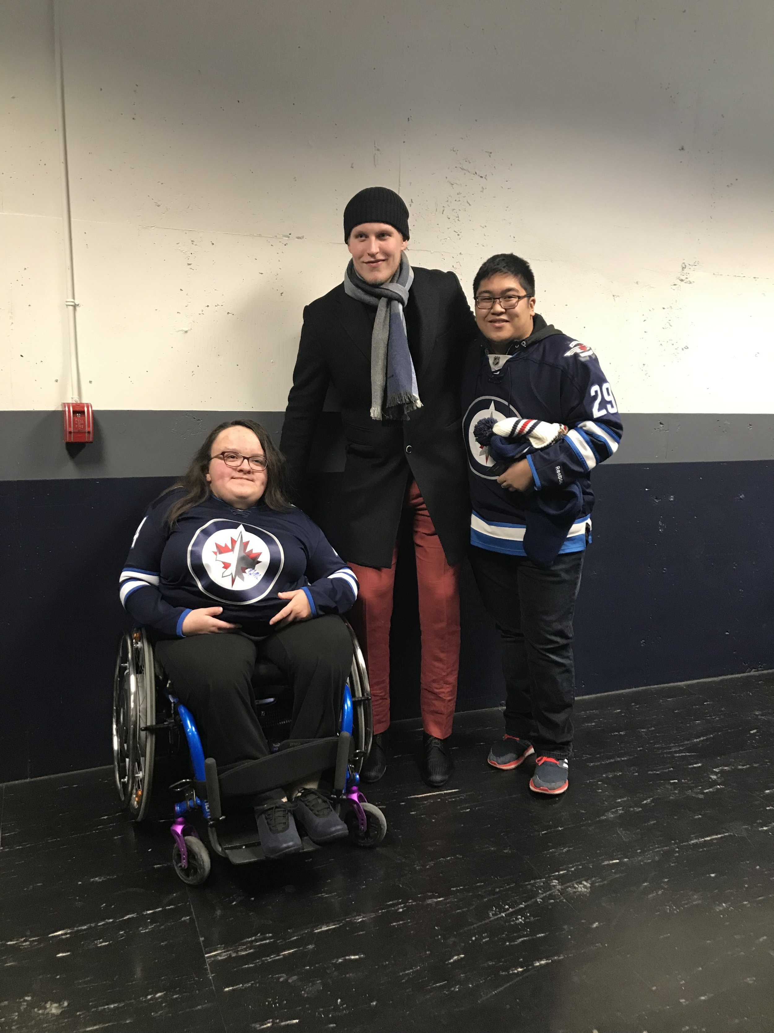 #728 Delaney 2018-12-11 #10 with Patrick Laine.JPG