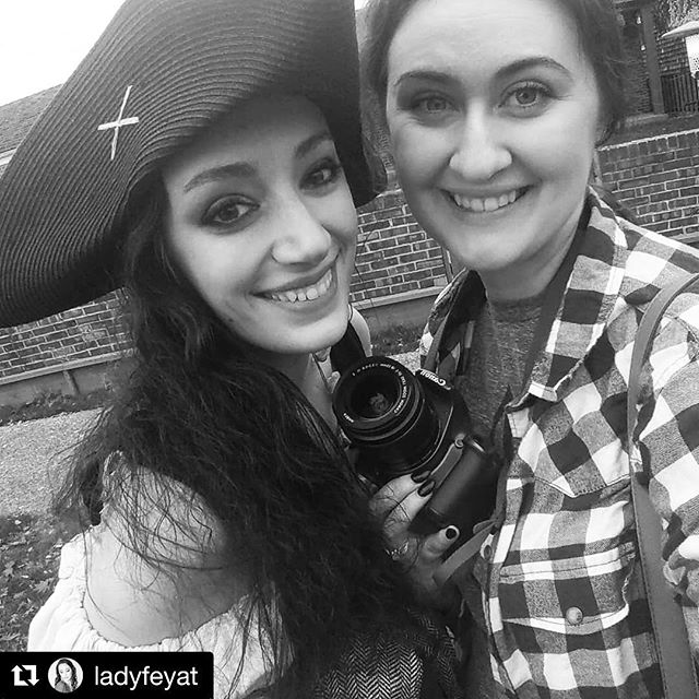 Had such a great time shooting wit @ladyfeyat today at #alkibeach ! Everyone needs a little pirate in their life. Working with my models honestly is my favorite part of what I do. These women are incredible, all the ideas they bring just bring the photos to life. Stay tuned in the next couple of weeks for more pirate photos! ☠️ #fantasyinfocus #pirate #seaofthieves #womensupportingwomen  #Repost @ladyfeyat ・・・ All done! Now coffee @fantasyinfocus