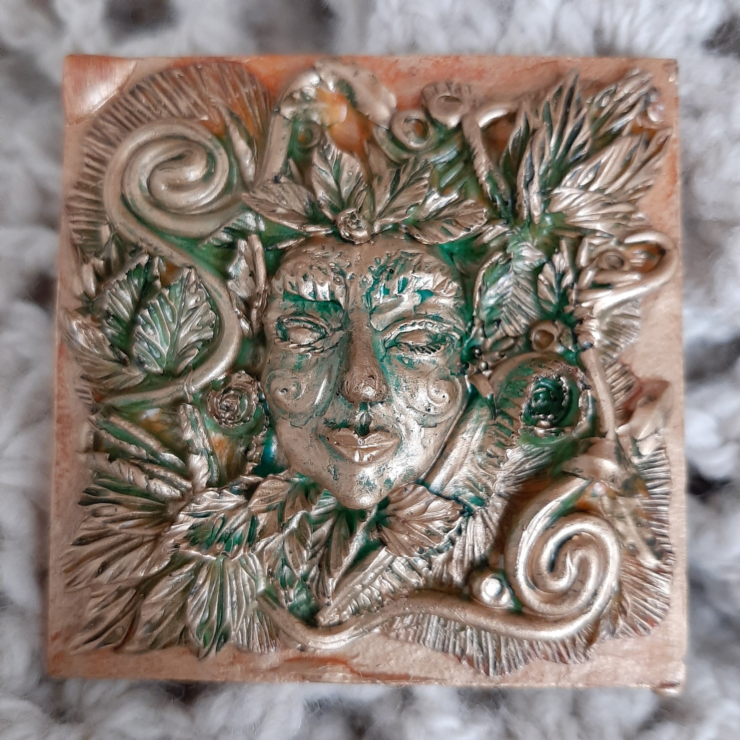 May Queen, small tile
