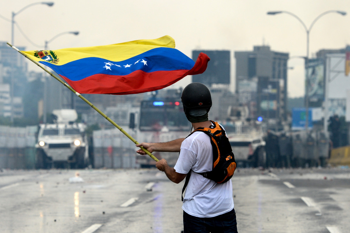 In the Streets of Caracas - The United Nations Security Council and the security Crisis in Venezuela
