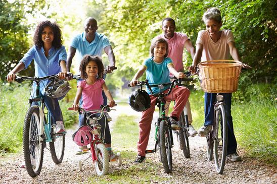 photodune-11792140-multi-generation-african-american-family-on-cycle-ride-xs.jpg