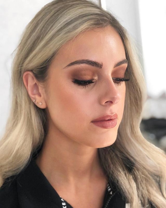 Another look at this warm smoky eye! I have gotten so many requests for this look. It screams fall 🍁🍂