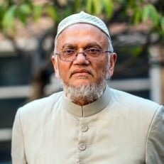 Mufti Barkatulla - A prominent Sharia scholar with a strong background in economics and finance. He is a member of the Sharia Supervisory Committees of several Islamic financial institutions including United National Bank, Alburaq of Arab Banking Corporation London and Lloyds TSB. He is also a member of the Islamic Sharia Council.Mufti Barkatulla initially graduated in Islamic Studies at the famous Darul Uloom, Deoband, India where he was also trained as a Mufti (qualified to issue Islamic authoritative edicts) in 1974. Moving to London in 1979, he pursued his studies and attained both B.Sc. (1985) and M Phil (1992).As one of the Sharia Judges at the Islamic Sharia Council, Mufti Barkatulla has wide experience of dealing with socio-cultural issues affecting Muslims living in the UK.