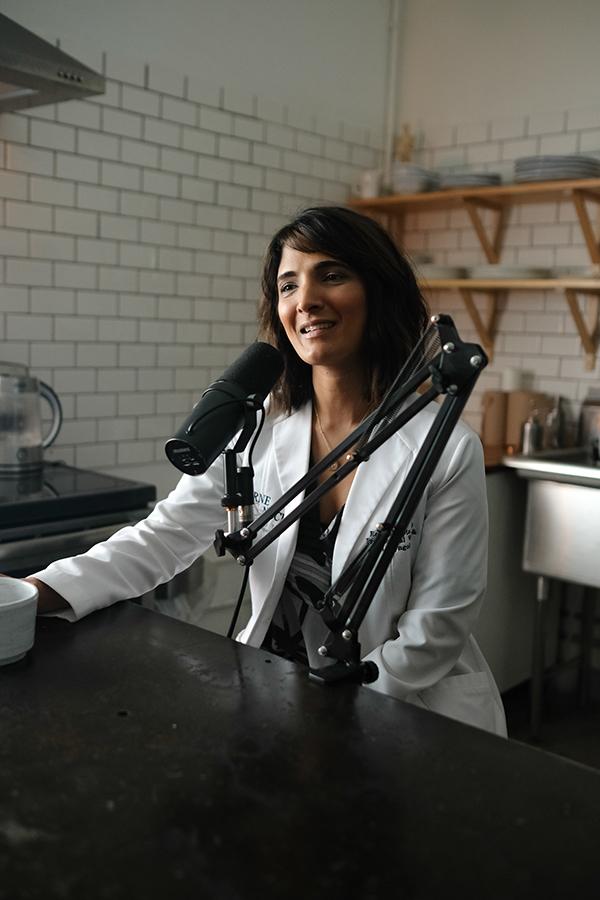 Dr. Reena Gupta  ( ENT, Laryngologist)