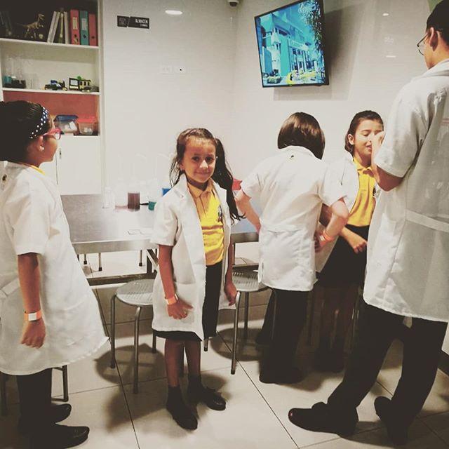 kids having fun having medical experience. . . . #medicalvolunteer  #volunteering #healthcarevolunteer #volunteerabroad #schoolkids #schoolvolunteer #jonaabroad #medicalexperience #medicsabroad