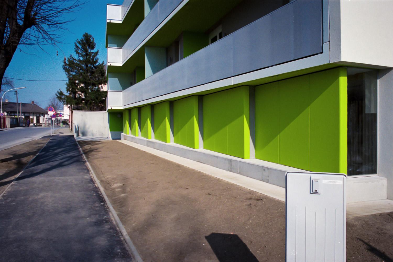 06-BAH_exterior-detail_large-elsa marie bachmeyer.jpg