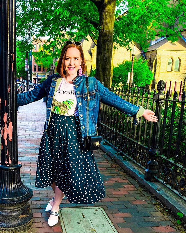 Hellooo weekend! It's soo good to see you again 🤗  This weekend you can find me enjoying this wonderful weather in my favorite graphic tee, a flowy skirt, and these comfortable embellished flats.  What's everyone else wearing? • • • #formmefatale #todayimwearing #stylefile #styletip #trending #lovethislook #ootdshare #streetstyleluxe #ootdmagazine #fashiondaily #styleblogger #stylebloggers #bostonblogger #bostonbloggers #newenglandblogger #bloggerlife #bloglife #ootdblogger #ootdsubmit #ootdsummer #bloggerstyle #bloggersofinstagram #bloggerfashion #styleinspo #WIWT #streetfashion #whatiwore #instafashion #styledbyme #outfitidea