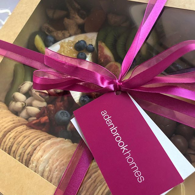 C O R P O R A T E | We just 💜 our corporate customers and are so lucky to work with some amazing local businesses. . If you're interesting in making your Corporate Gifting unforgettable, get in contact to see what we can do for you!