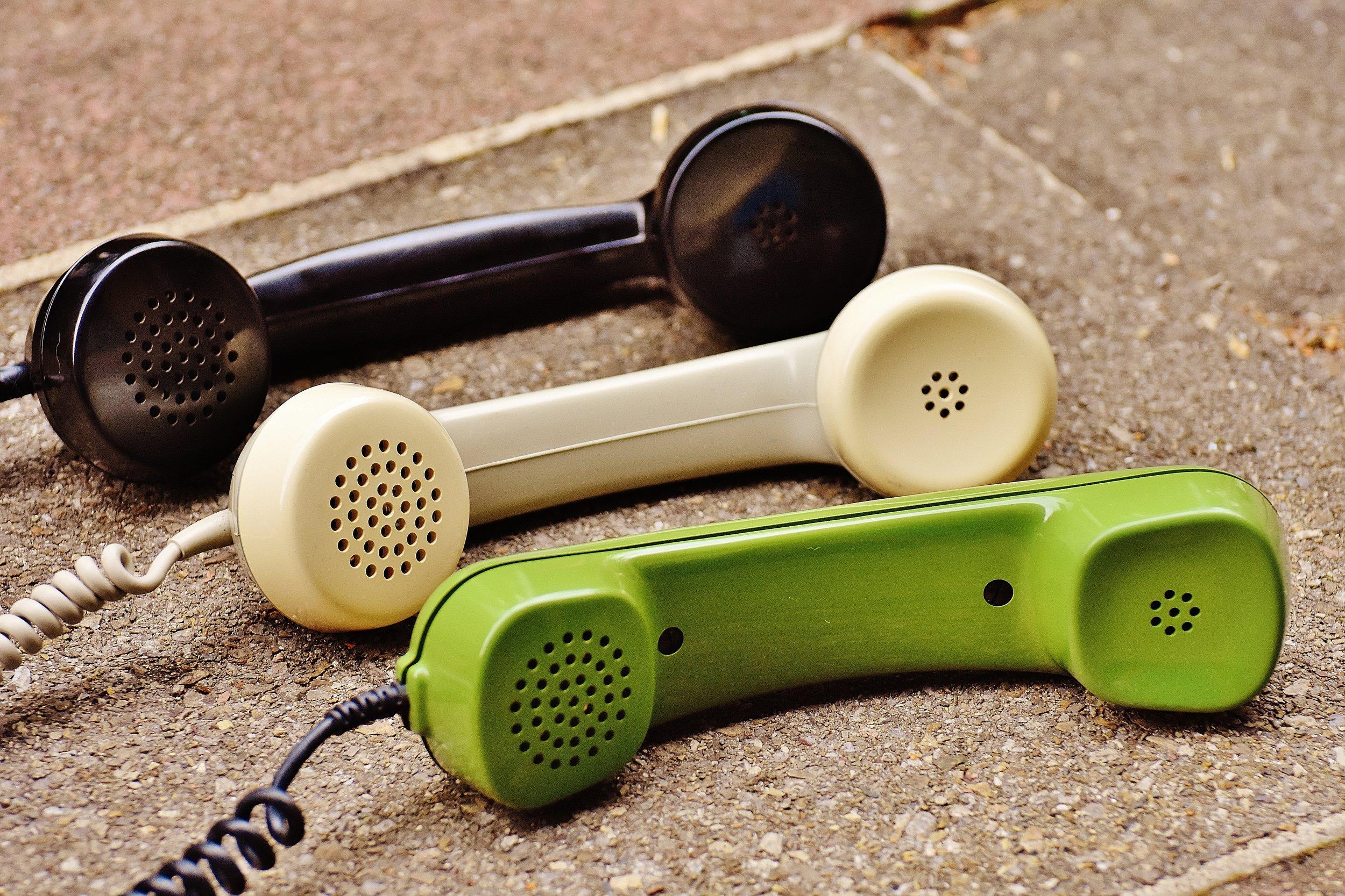 Phoneコンサルテーション    完全予約制    ($50/30分)   ゆっくりお話したいけど、なかなかオフィスまで訪ねる時間が取れない方、また遠方に住んでいる方にお勧めします。お電話だけでなく、Videoチャットにも対応しており、当センターで一番人気のプランです。
