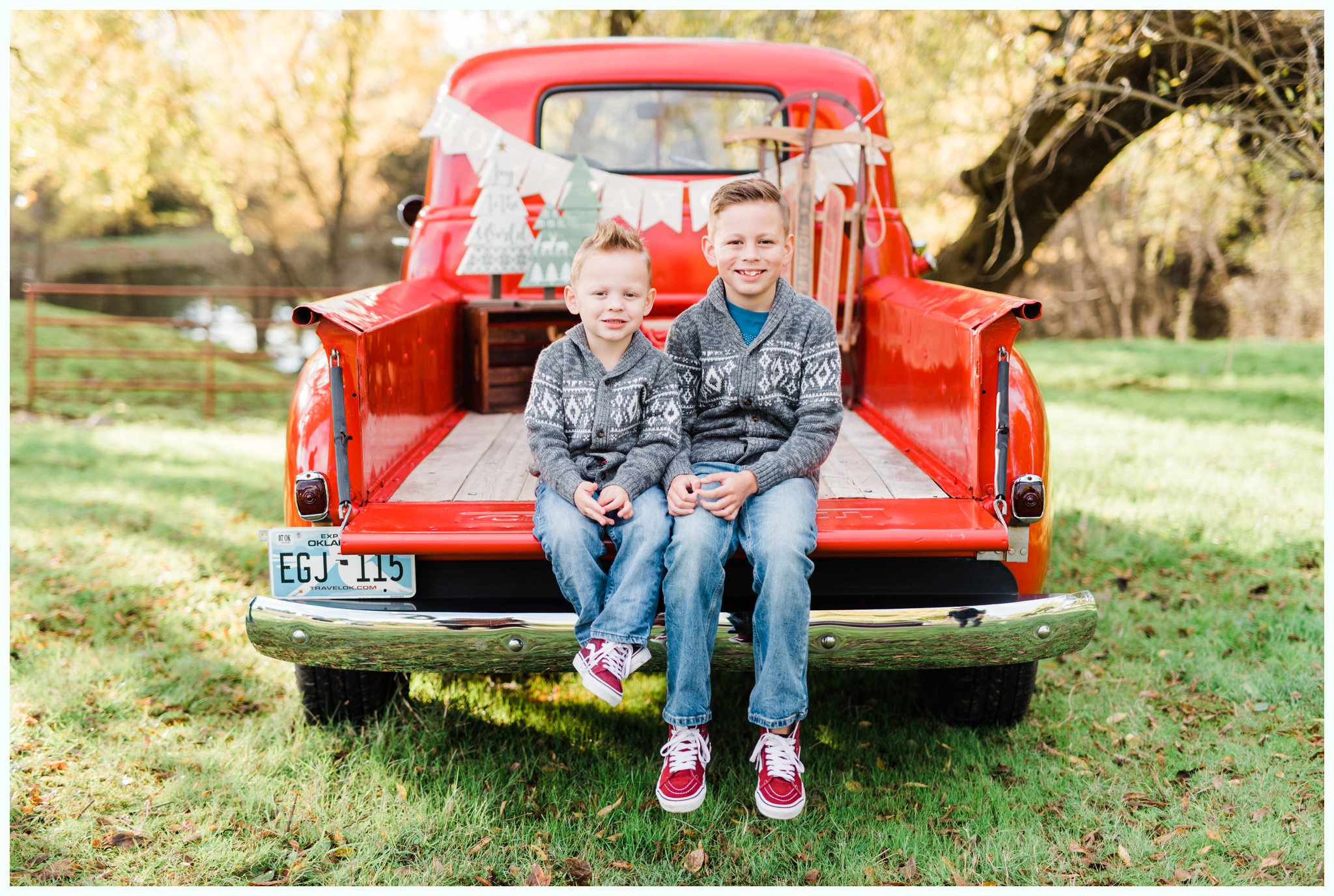 Vintage Truck Mini Sessions_3250.jpg