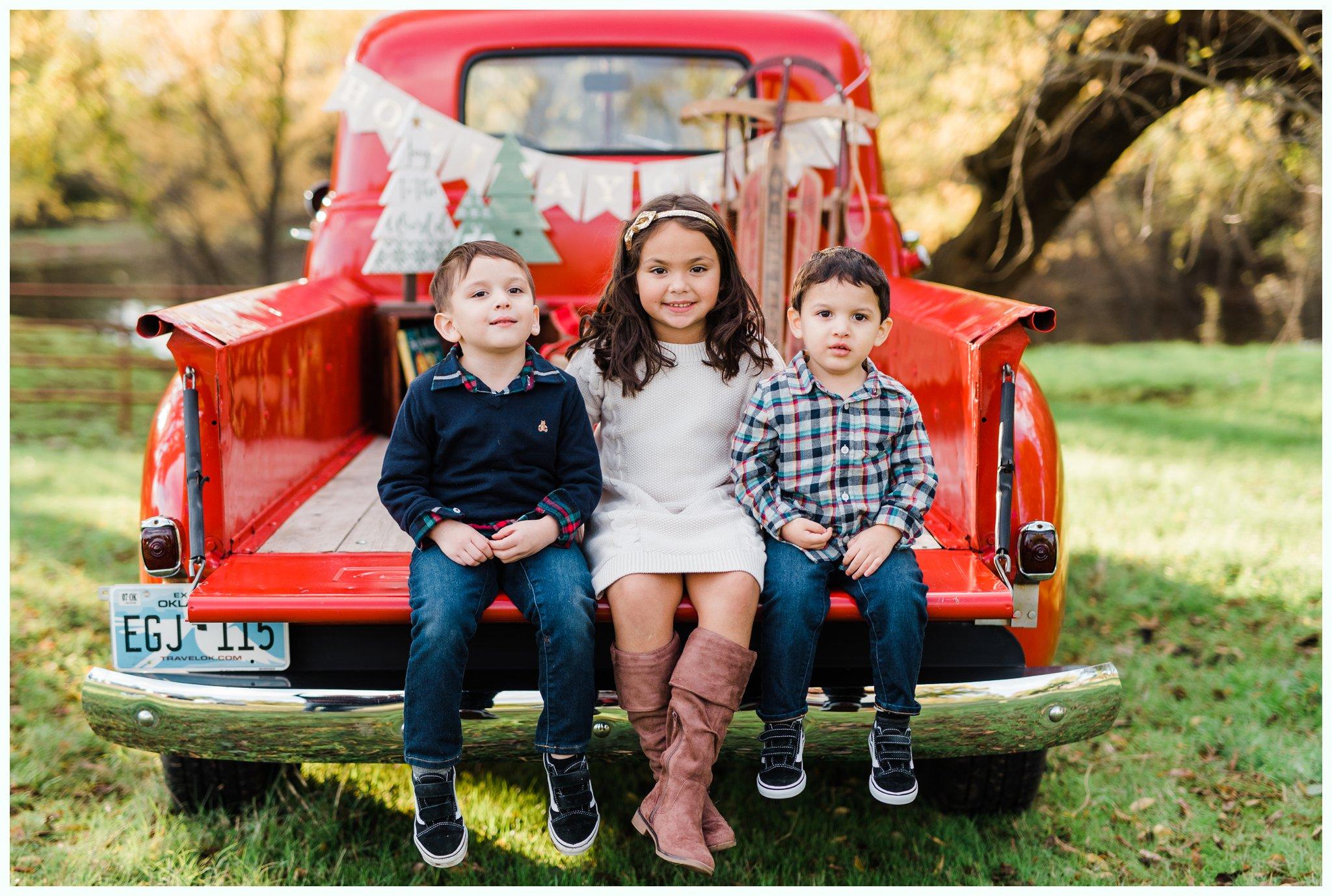 Vintage Truck Mini Sessions_3254.jpg