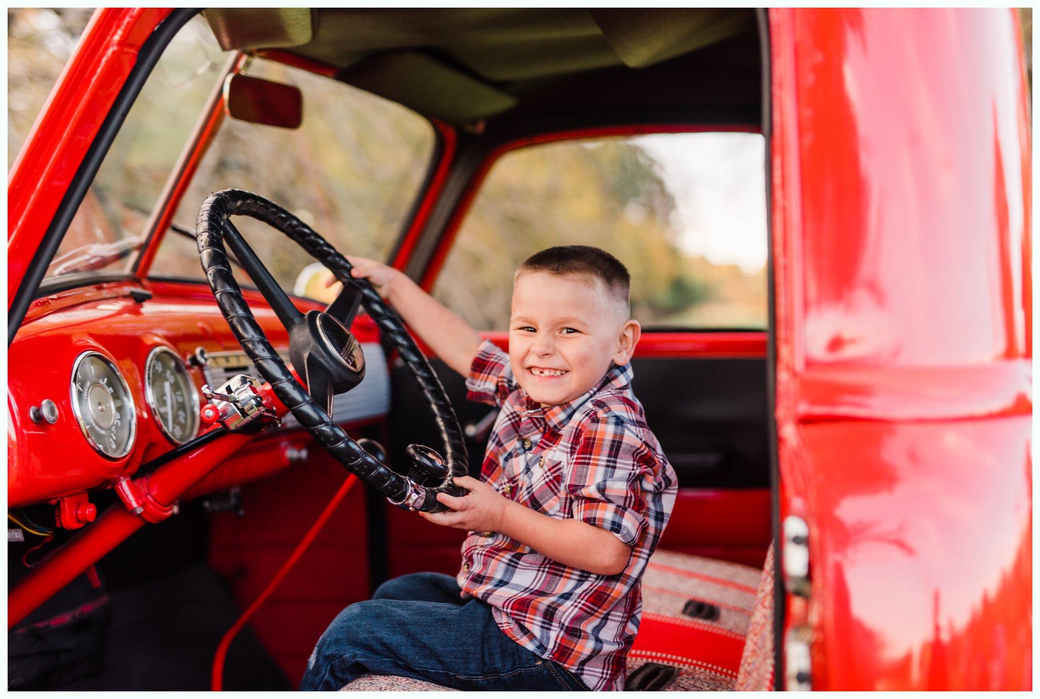 Vintage Truck Mini Sessions_3267.jpg