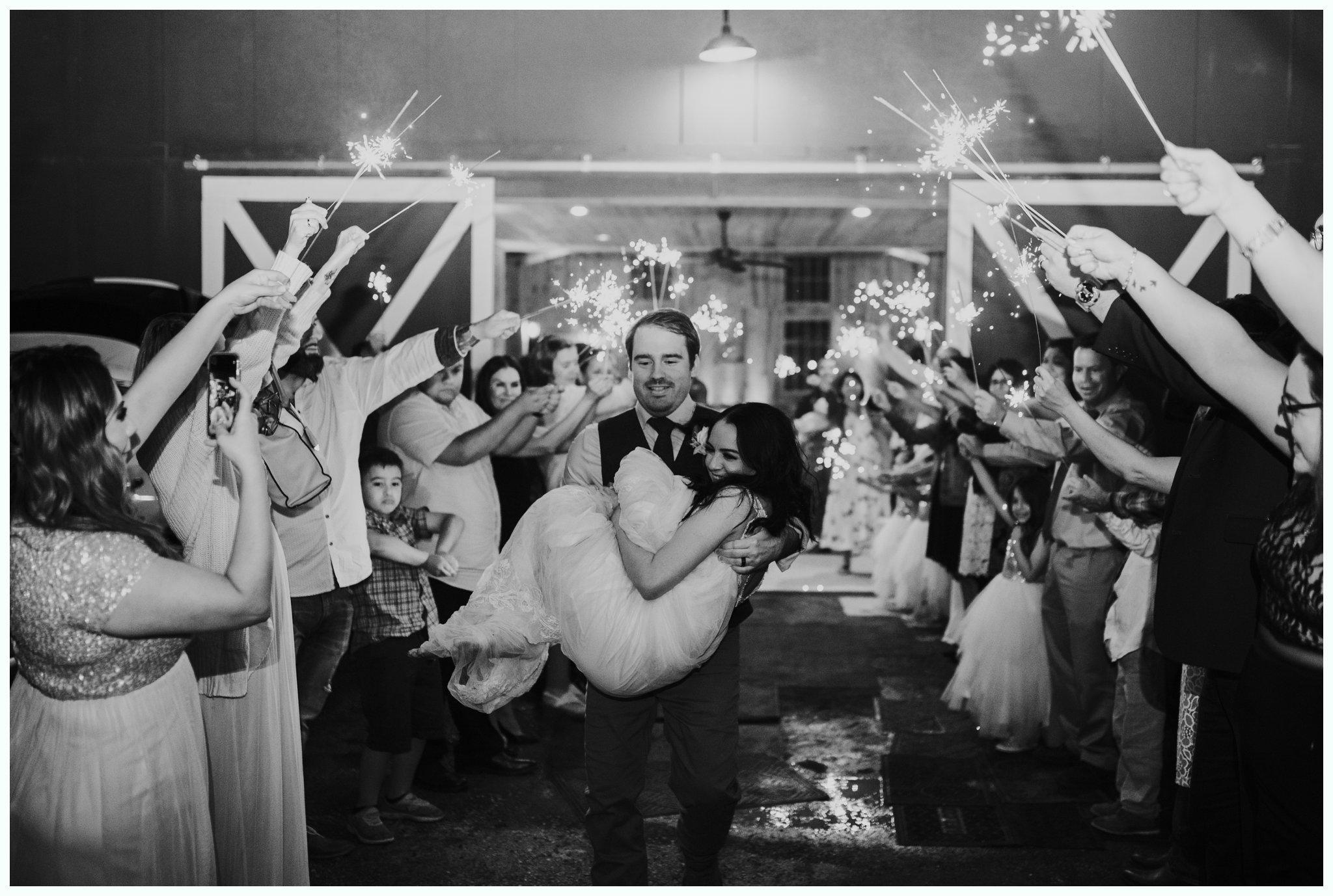 WeddingAttheFarmstead_4475.jpg