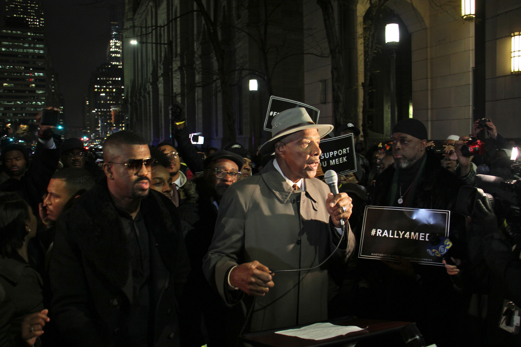 2017-11-13-e-lee-julius-erving-philadelphia-center-for-criminal-justice-rally-for-meek-mill.jpg