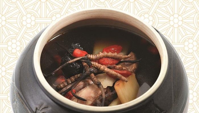 súp gà với đông trùng hạ thảo tây tạng.jpg