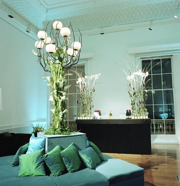 Wrought iron tree w white bowl lights.JPG