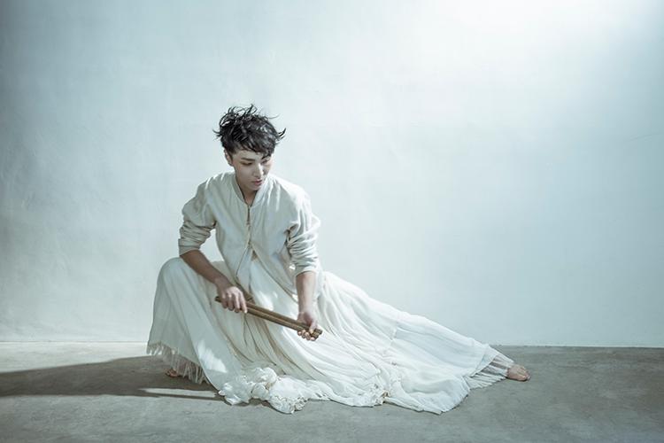 Photo: Yutaka Mori Hair & Make up by Mieko Ueda Costume by Takayuki Suzuki