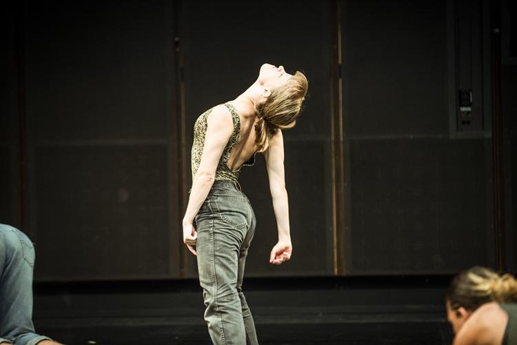 Photo: Yaniv Cohen Choreography:  Kneeding  by Jefta van Dinther