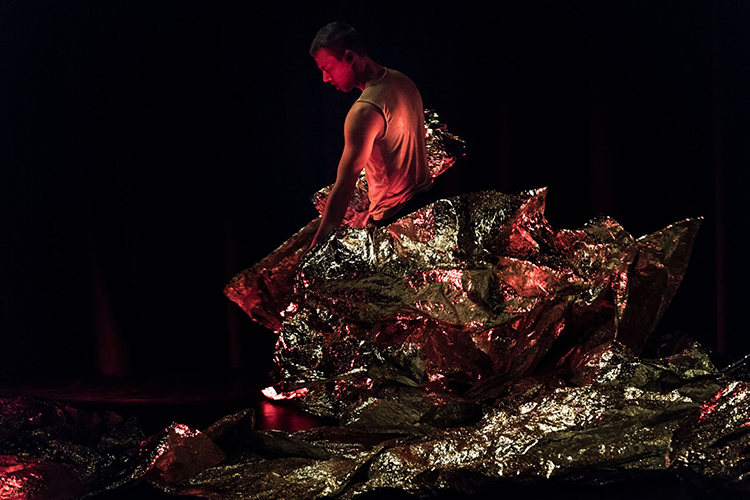 Photo: Antero Hein Choreography:  Heat  by Kari Hoaas Ælvespeilet Kulturhus 2018