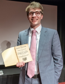 After the ceremony, with a 1685 pamphlet presented to me by the chair of the jury, professor Paul Hoftijzer