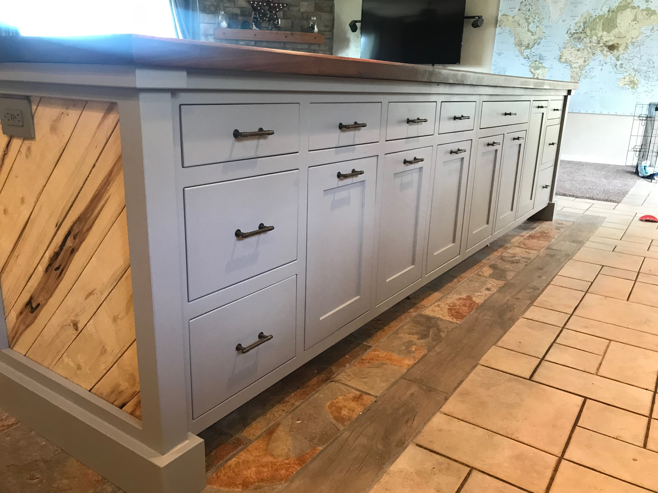 Farmington New Island - Fully integrated doors/drawers
