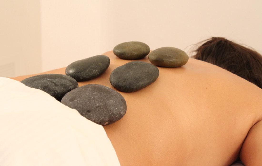 Hot-stones-massage-gallery-2.jpg