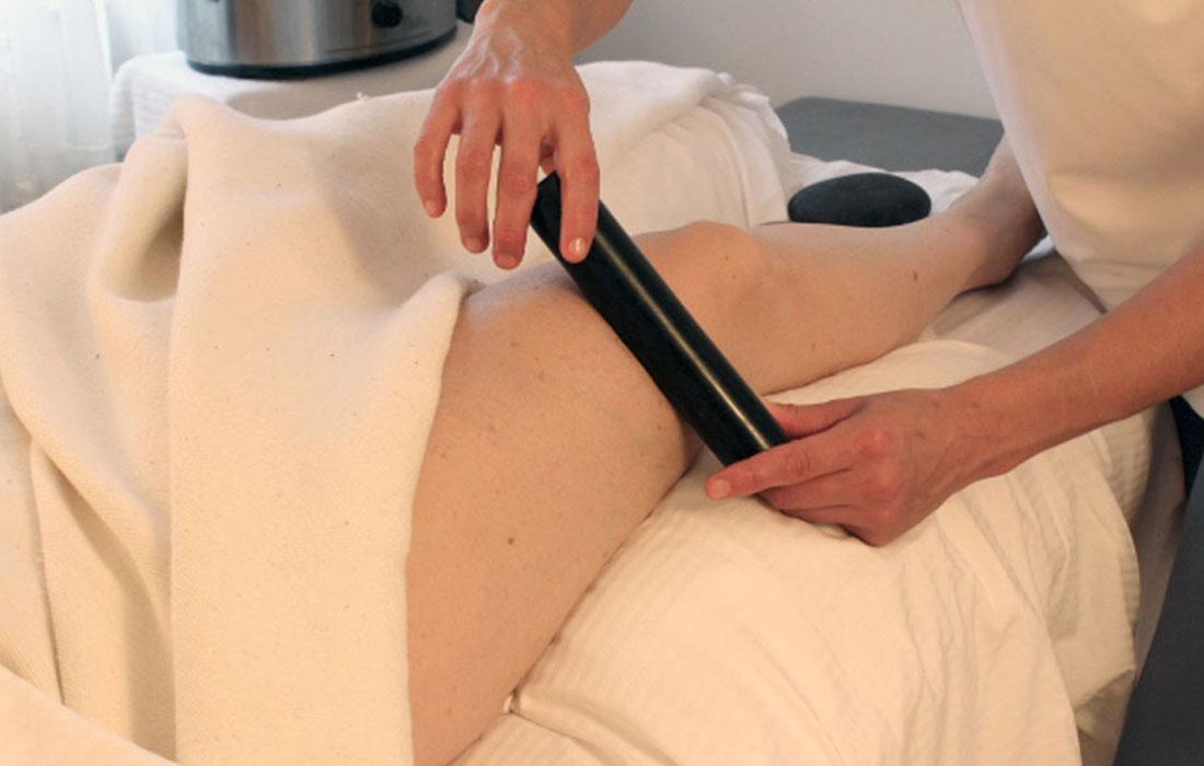 Hot-stones-massage-gallery-3.jpg
