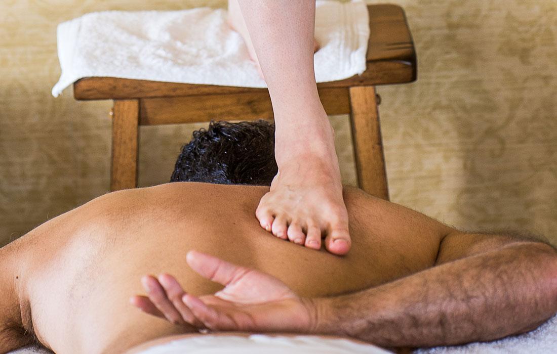 Ashiatsu-massage-therapy-gallery-2.jpg