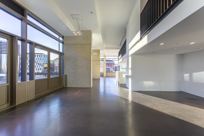 Spannende Raumaufteilung   Hohe Decken und die untypische Raumaufteilung ermöglichen spannende Themeninszenierungen.