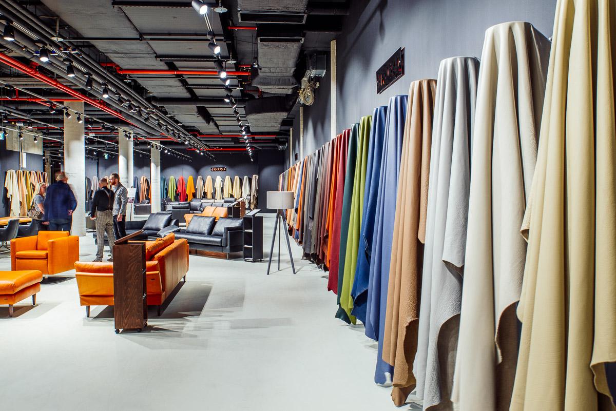 Manufaktur und Made in Germany   IKONO Möbelmanufaktur steht nicht nur für hochwertige Polstermöbel, sondern auch für Innovationen in der Sitzwelt und Lifestyle im Interior und Outdoor Living Bereich.