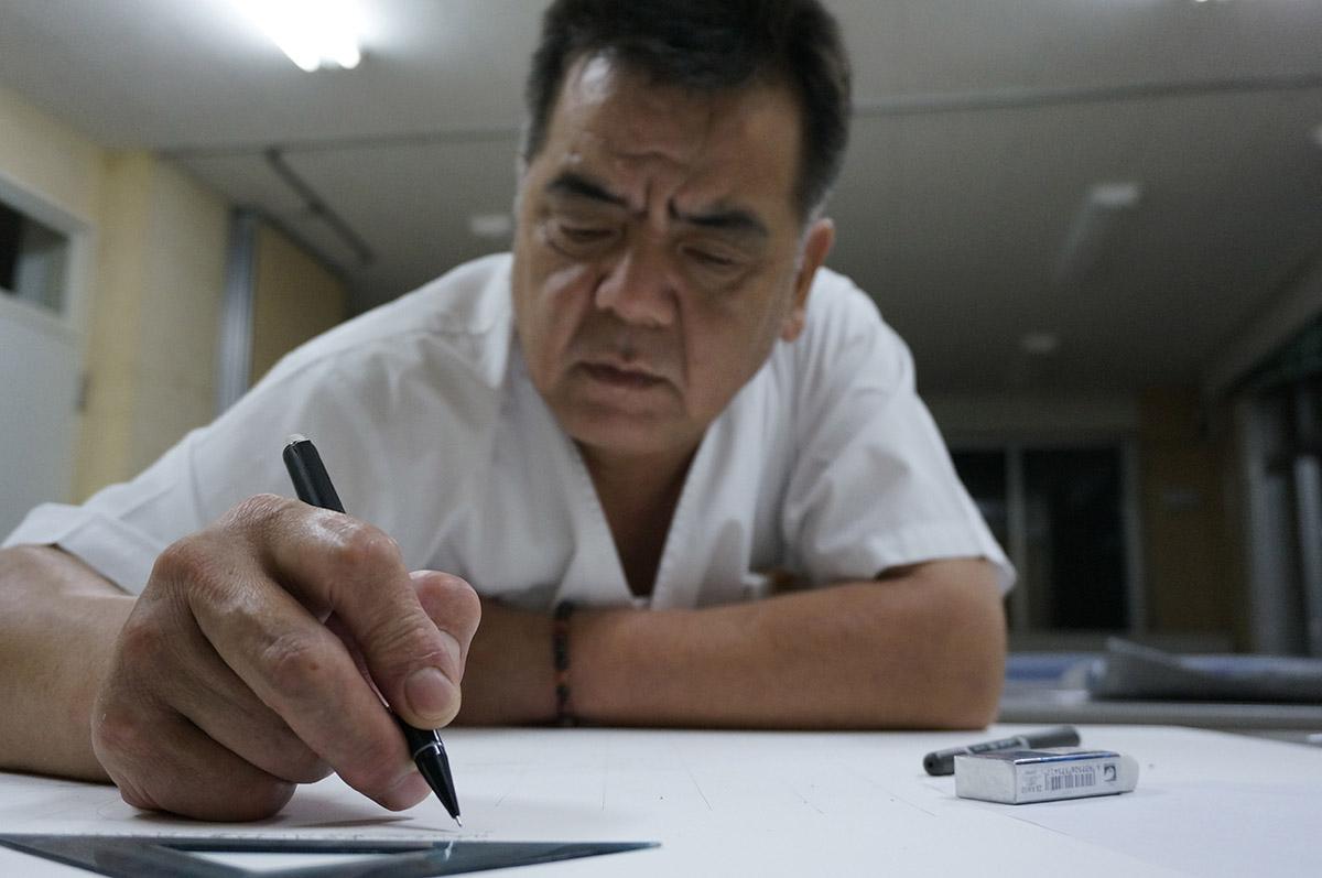 Minami Sanriku resident, Takahashi-san commenting on his transect drawing.