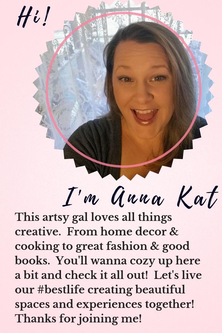 Hi! I'm Anna Kat!.png