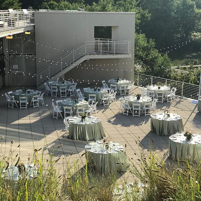 It's a gorgeous evening for a beautiful wedding & couple! 👰🤵 Ceremony on the Ravine 💍  Dinner on the Terrace🍴🍷 Dancing & Desert in the South Gallery 💃 🍰  It's go time ❤️ # prettiest venue # wedding time # alfresco # summer wedding #bemine #calihancatering