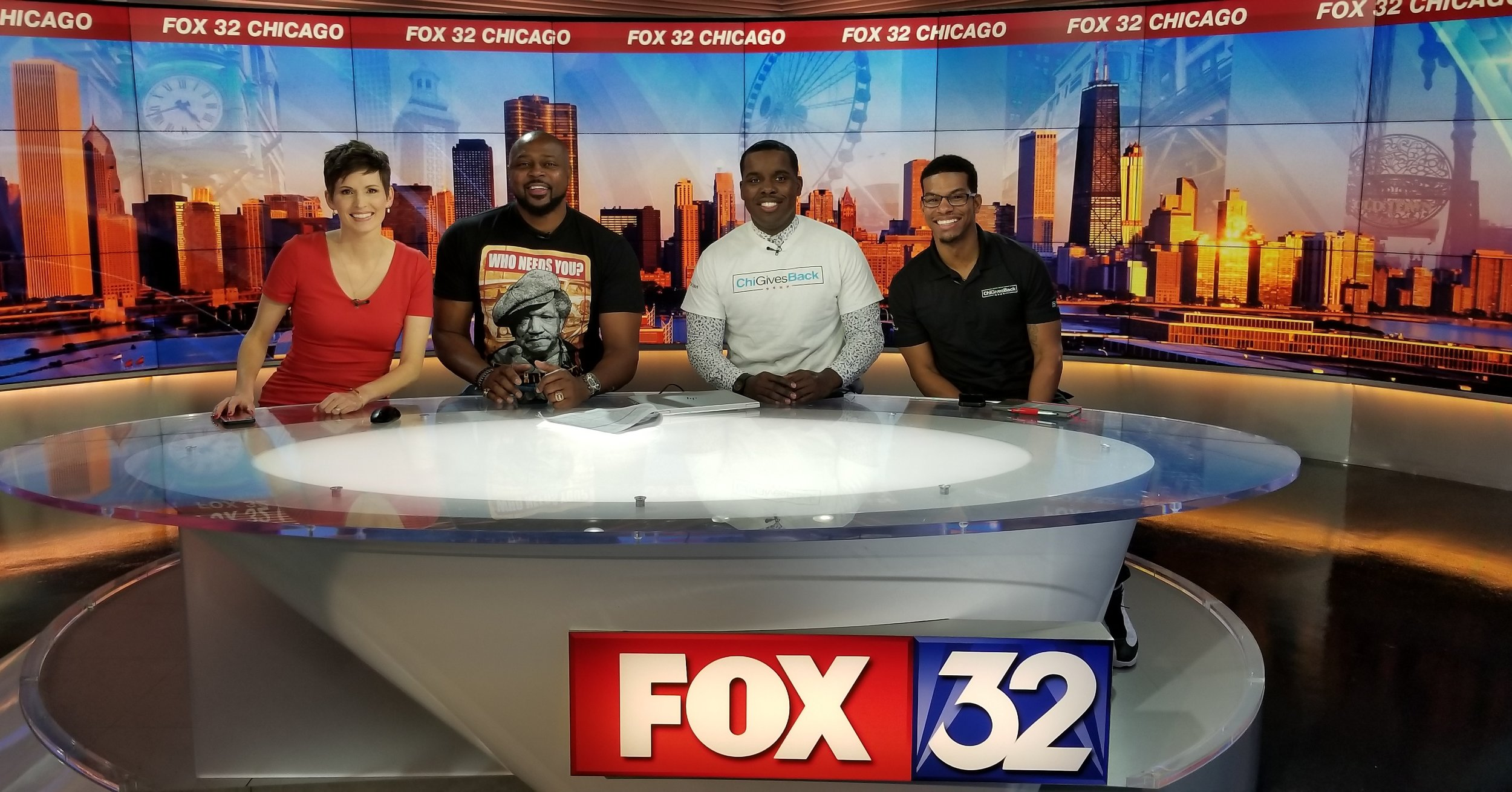 Sally Schulze of Fox32, Horace Grant, Kouri Marshall, Co-Founder of ChiGivesBack & John Boddie, Co-Founder of ChiGivesBack.