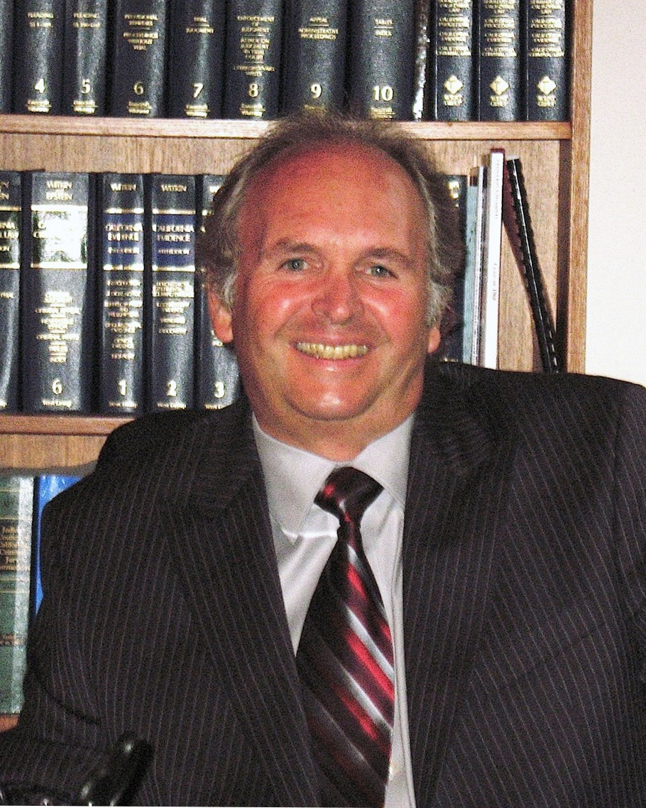 Meet Kent Russell - Kent Russell is an experienced and dedicated lawyer who has been actively representing criminal defendants, appellants, and petitioners for over 45 years in state and federal courts in California and throughout the country.