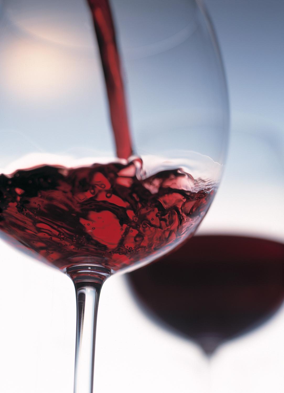 13_Red_Wine_Pour_original.jpg
