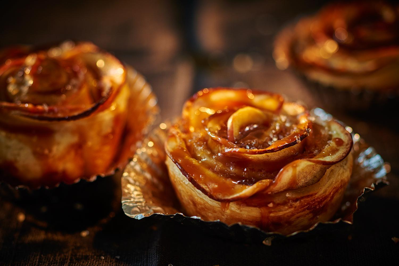 05_Apple-caramel-tart-rosettes.jpg