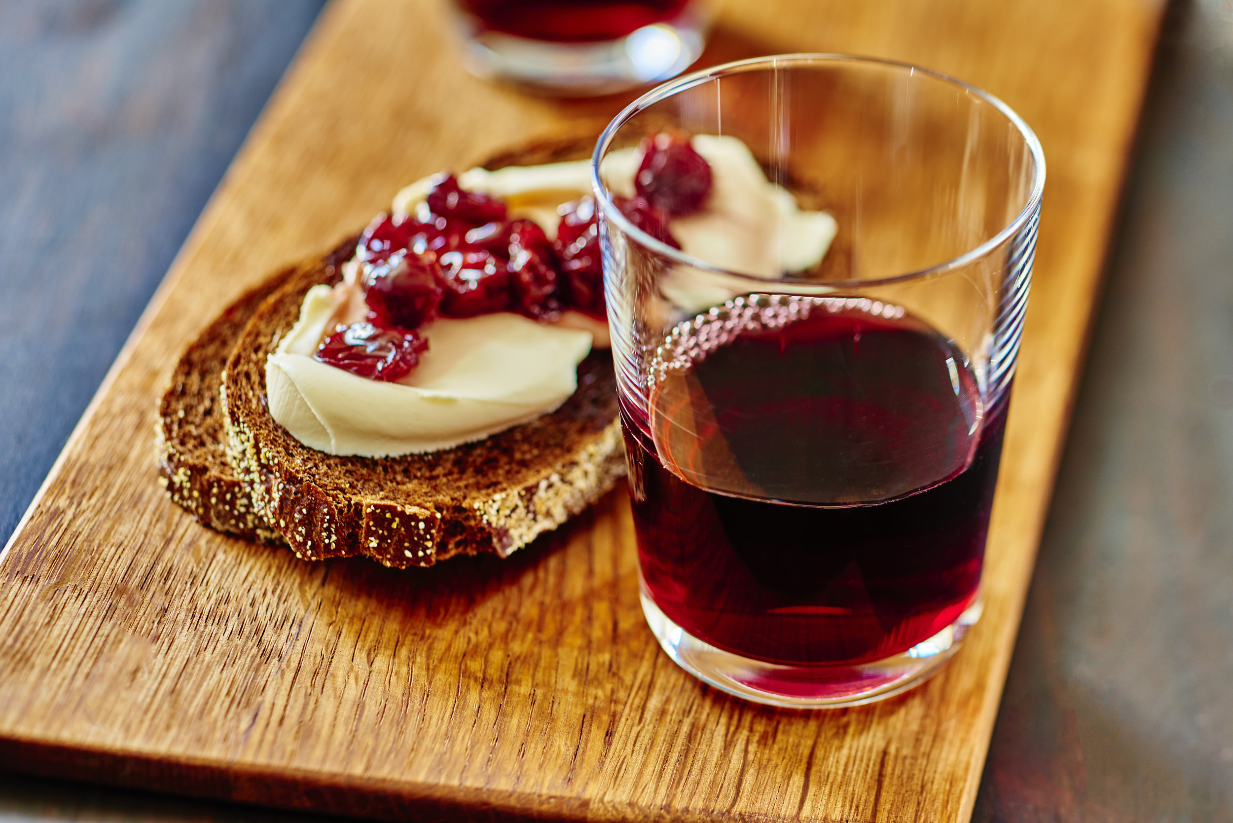 Spanish Cheese Bruschetta and Red Wine