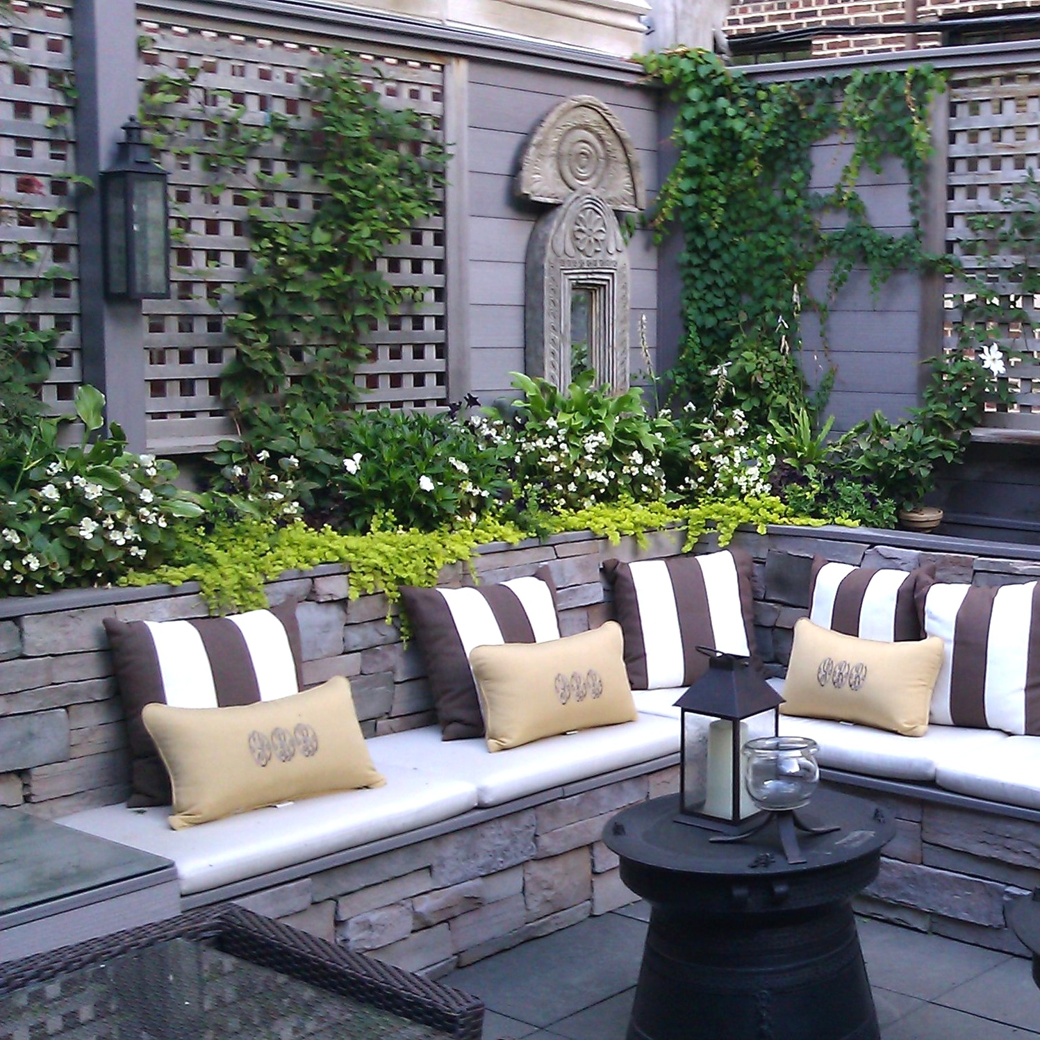 SECRET CITY GARDEN  Residential Design + Build  Gold Coast, Chicago