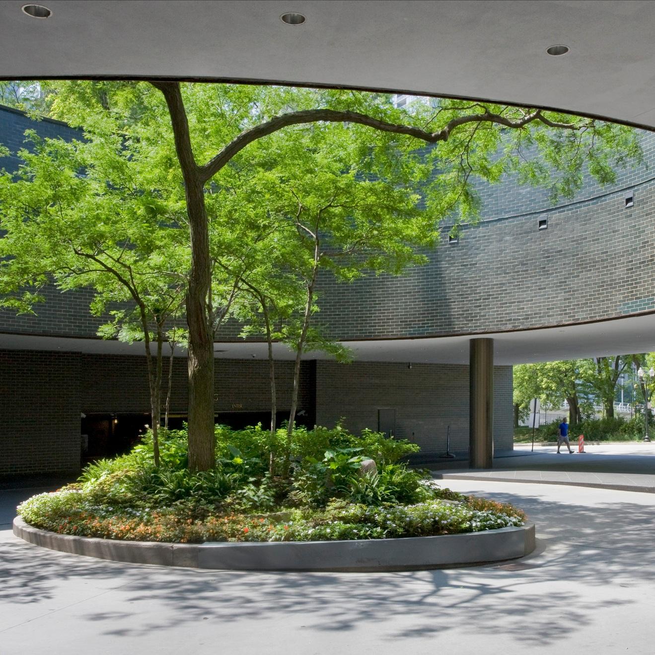 LAKE POINT TOWER  Landscape Enhancements + Maintenance  Chicago, Illinois