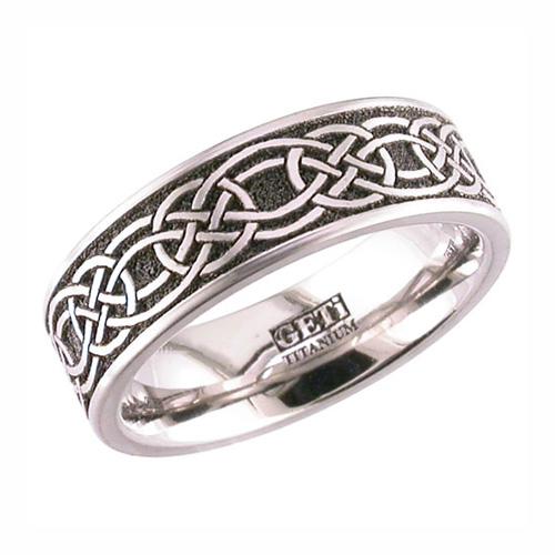 celtic Knot Wedding Ring in Titanium