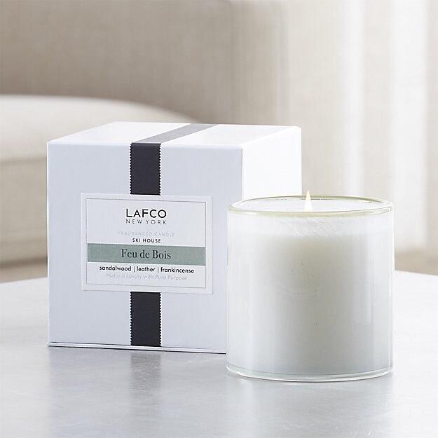 Feu de Bois: Smoky frankincense blankets cozy notes of leather, sandalwood and pine.