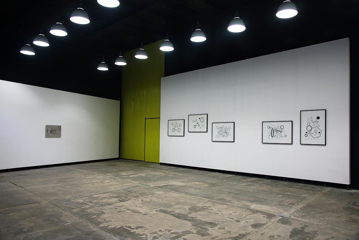 Gestos y Posturas (Tecnópolis, Provincia de Buenos Aires).  Instalación tubos de neón, dimensiones variables. 2013.