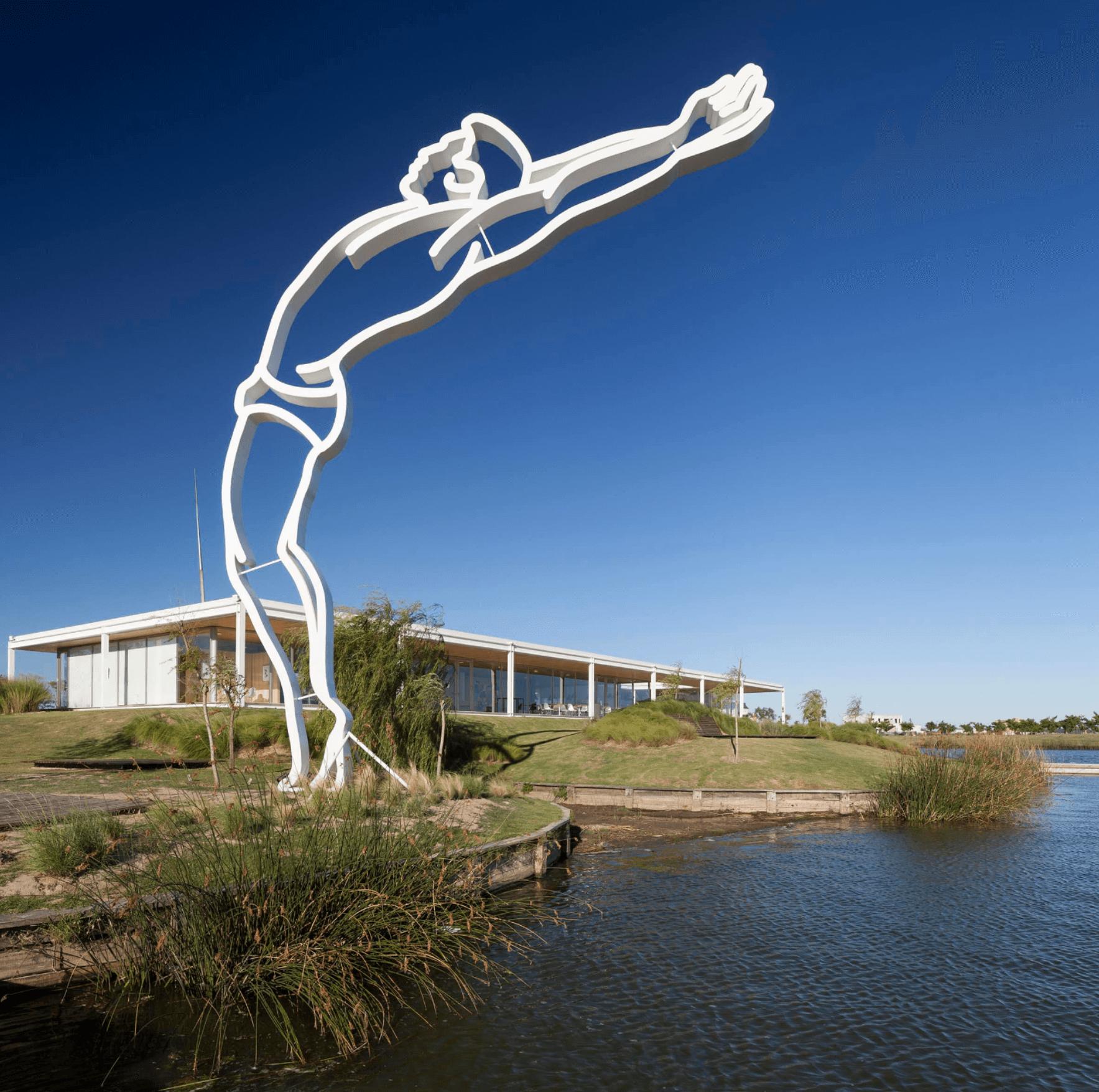 El Salto (Puertos del Lago, Escobar, 2017). Painted steel (white).  1200 x 900 x 50 cm.