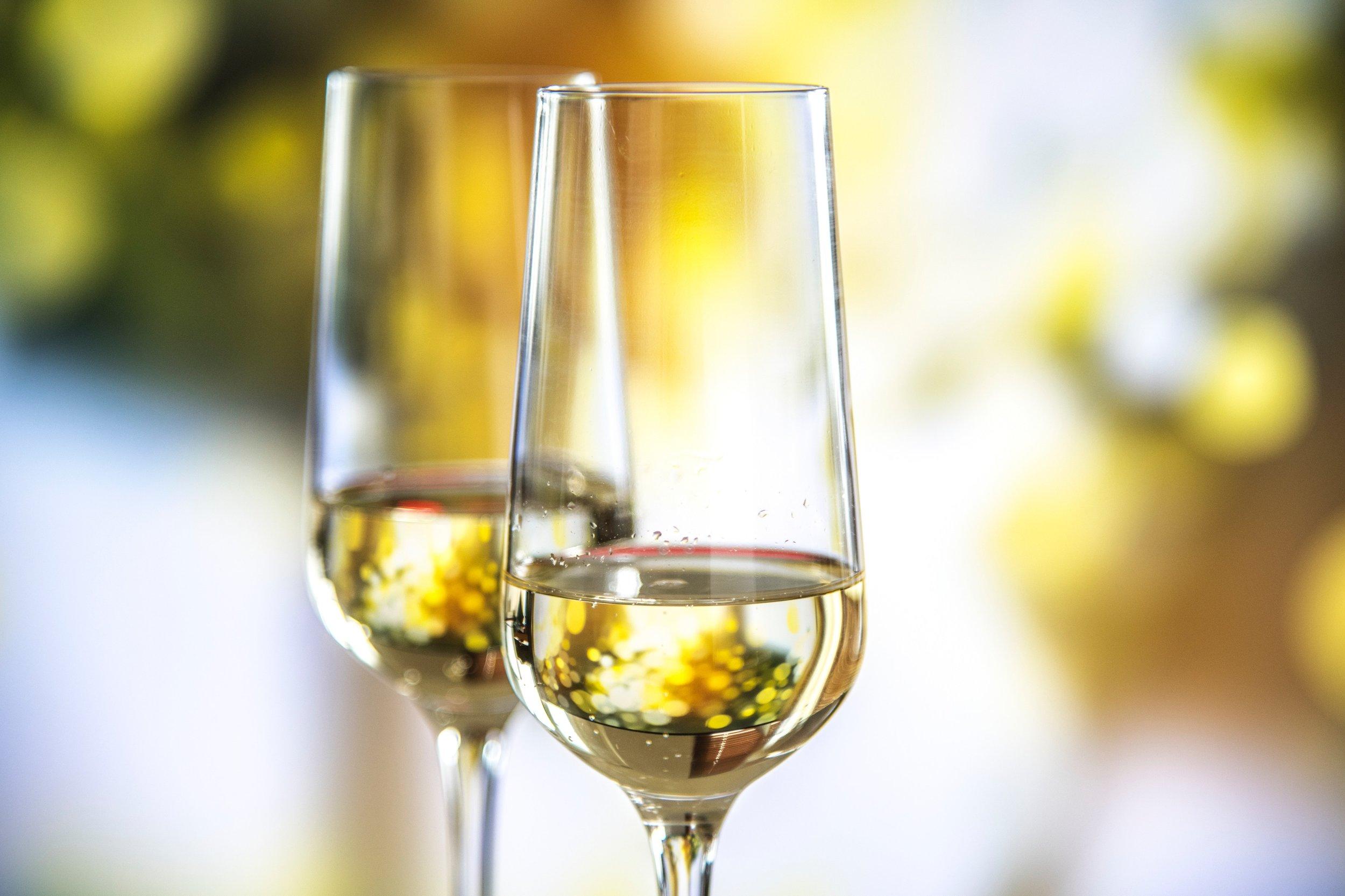 alcoholic-alcoholic-beverages-anniversary-1323596.jpg