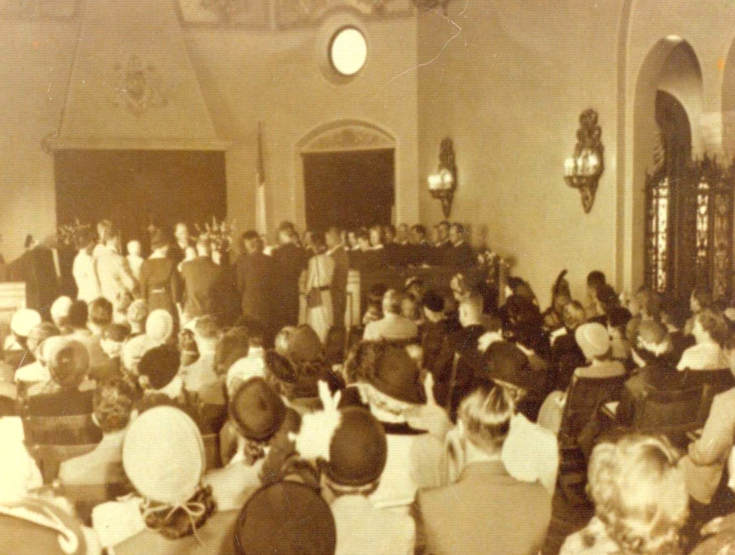 First service in the church October 5, 1952