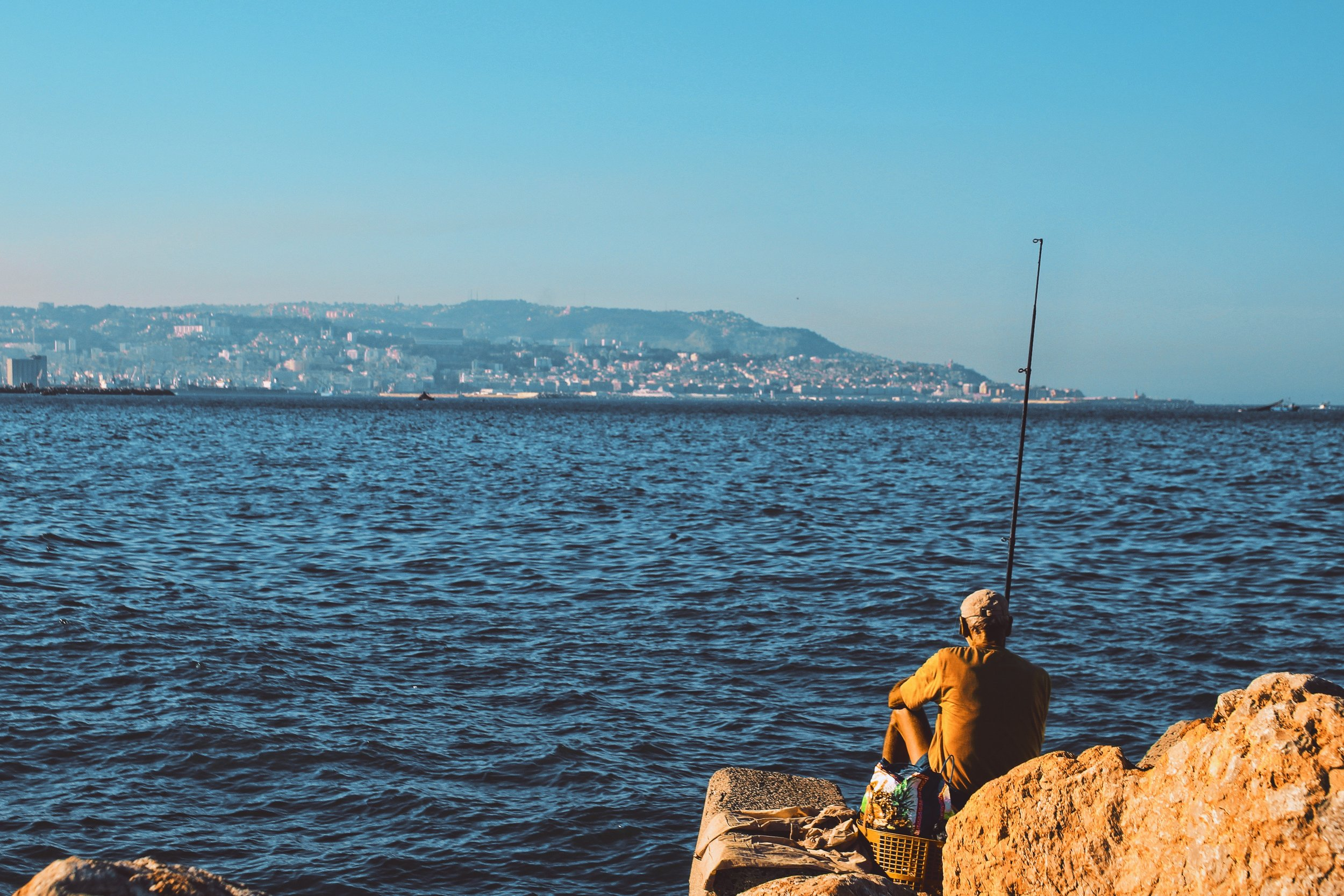 daylight-fisherman-fishing-695928.jpg