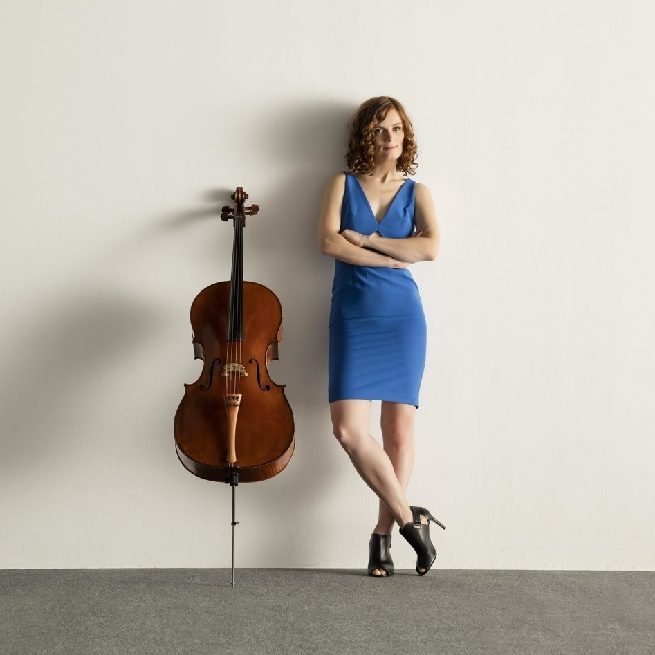 Kathryn Bates has always had a passion for bringing people into deep experiences in art.  She loves to perform as cellist of the Del Sol Quartet, but also loves to curate and imagine new experiences for people.   -